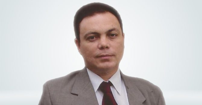 Dr. Paulo Roberto Sandy