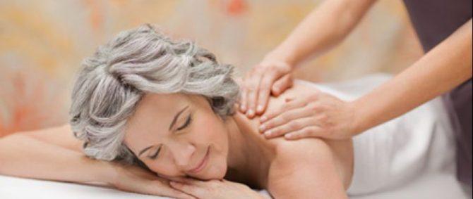 Os benefícios da massagem para a terceira idade