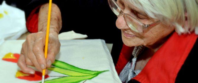 Artesanato melhora qualidade de vida dos aposentados