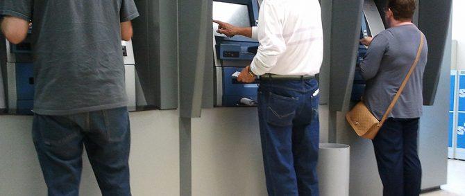 Caixas eletrônicos: cuidados com o uso evitam cair em golpes