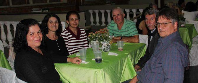 Confira fotos do Jantar do Dia das Mães da AAPMM.