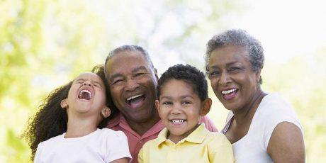 Criança e Idoso: Você acha que a infância e a velhice têm coisas bem parecidas?